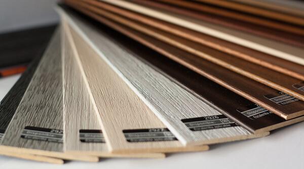 Cortinas venecianas de madera y aluminio en madrid for Venecianas de madera